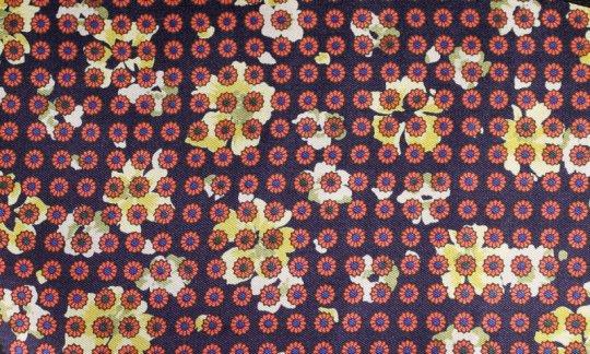 Foulard en soie Rouge, Jaune, Bleu marine - Fleurs, Dessin 200057